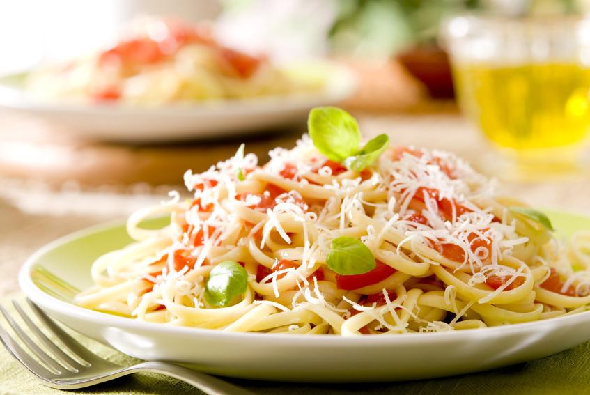 linguine pasta with tomato sauce3